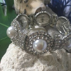 Pearl Bracelet (extra set items available)